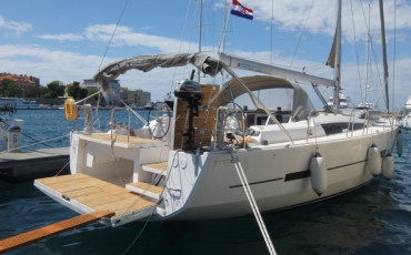 Dufour 560 GL Anatoli with A/C and generator