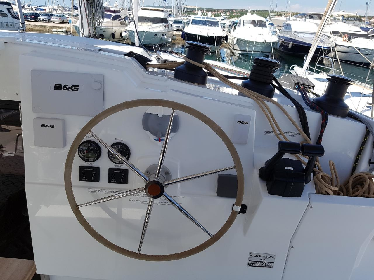Fountaine Pajot Lucia 40, Luce, A/C - shore power only