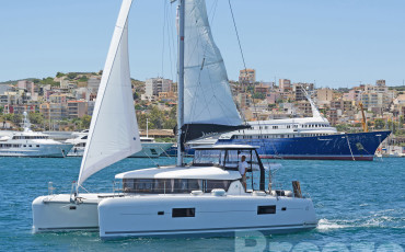 "Lagoon 42 ""BREEZE"""