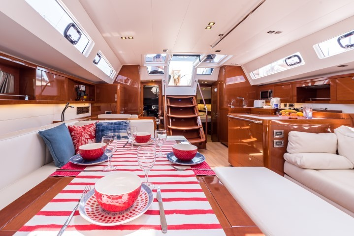Oceanis 60, Tourbillon with AC and generator